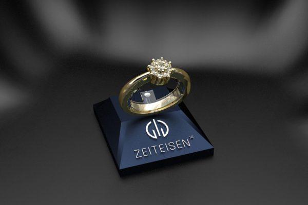 Verlobungsring aus Gelbgold mit neun gefassten Diamanten